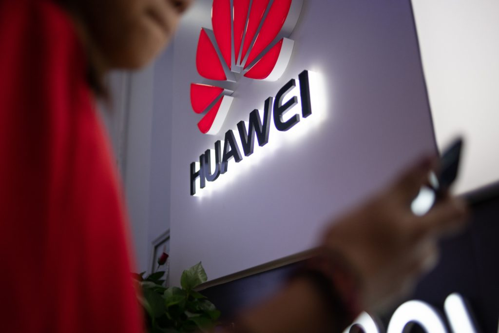 Huawei Delays Harmony Os For Phones, Tablets, Computers