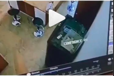 NSCDC Staff Caught on Camera Stealing 1