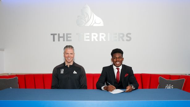 Arsenal Signs Young Nigerian Tim Akinola