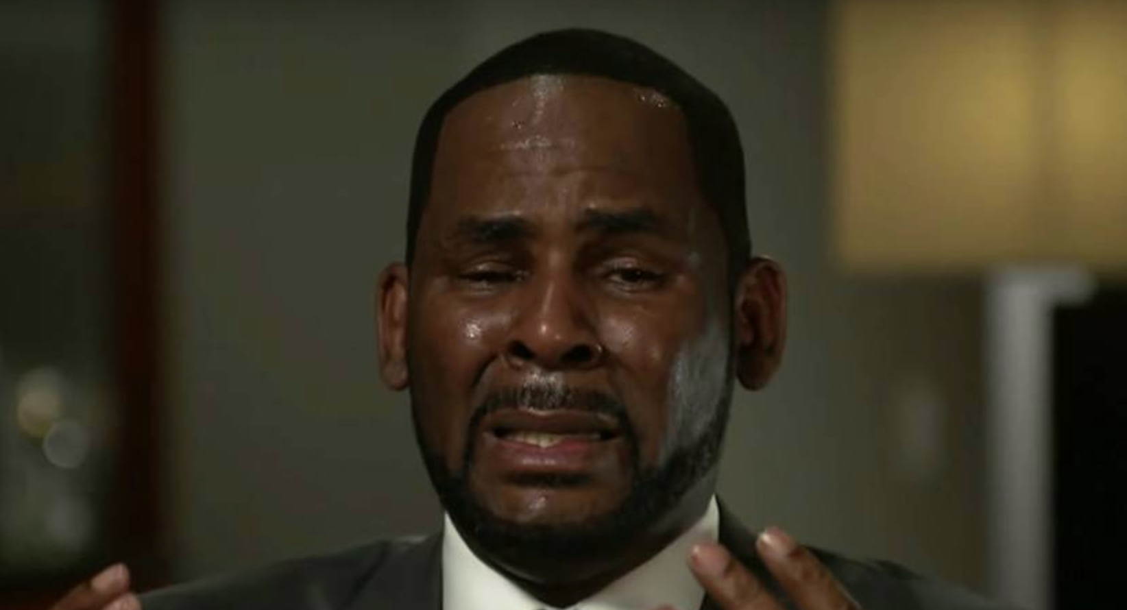 R.kelly Friends Charged