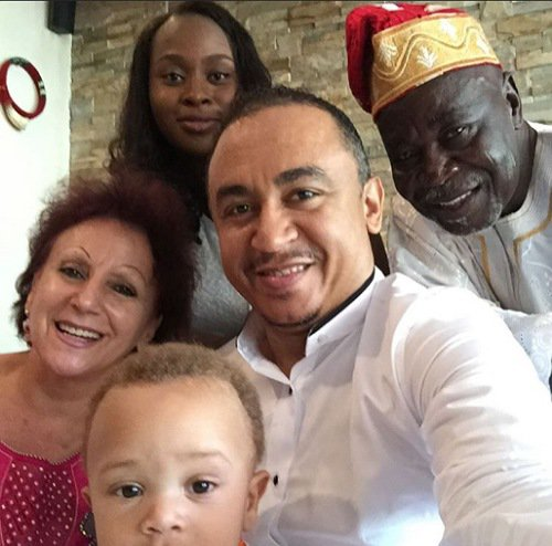 Daddy Freeze shows his family.
