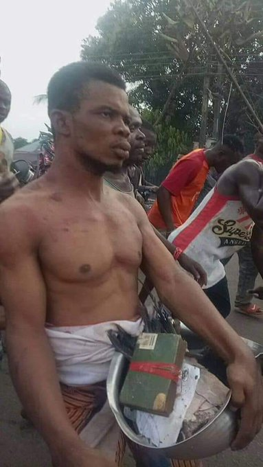 Villagers Mob Pastor Caught With Charms In Anambra 1